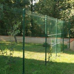 clotures-grillages.com est la boutique à ligne à contacter si vous avez besoin d'un piquet clôture